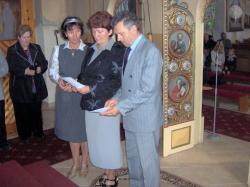 nowe małżeństwa ze Słowacji przyjmują Kartę.jpg - Prijatie Charty 1.10.2011