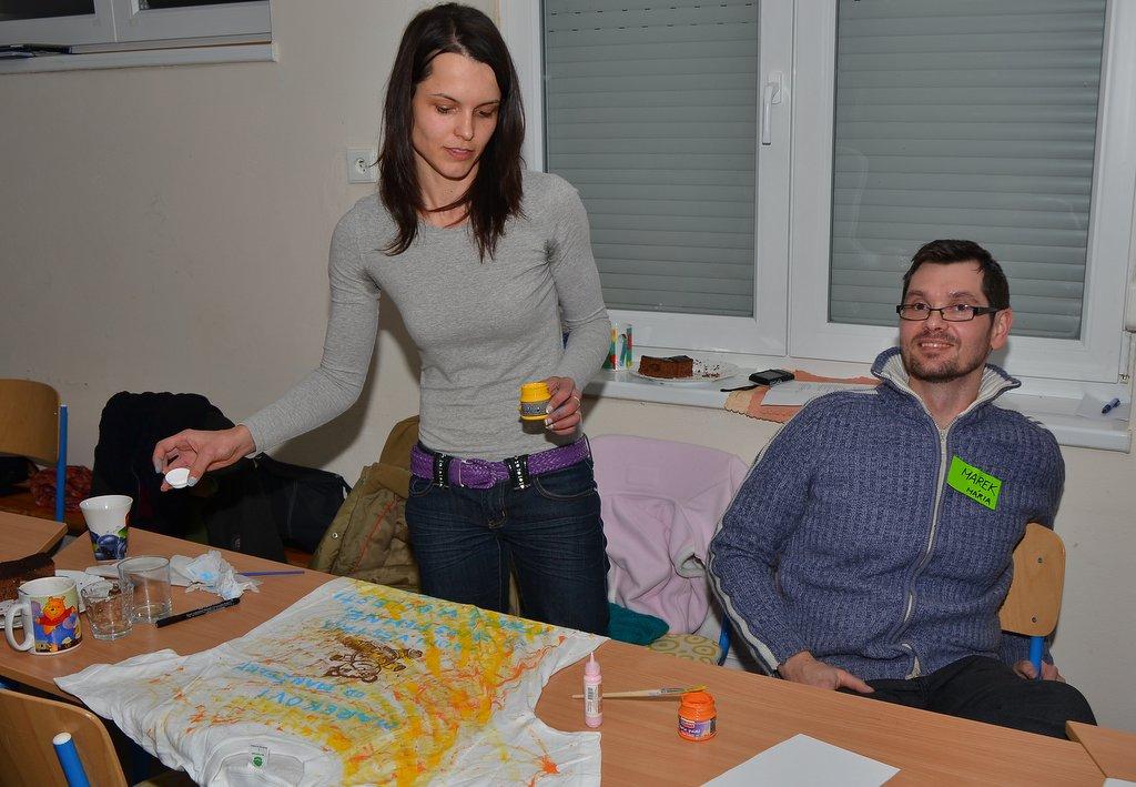 DSC_0595.JPG - Vzájomné manželské obdarovanie sa vlastnoručne namaľovaným tričkom