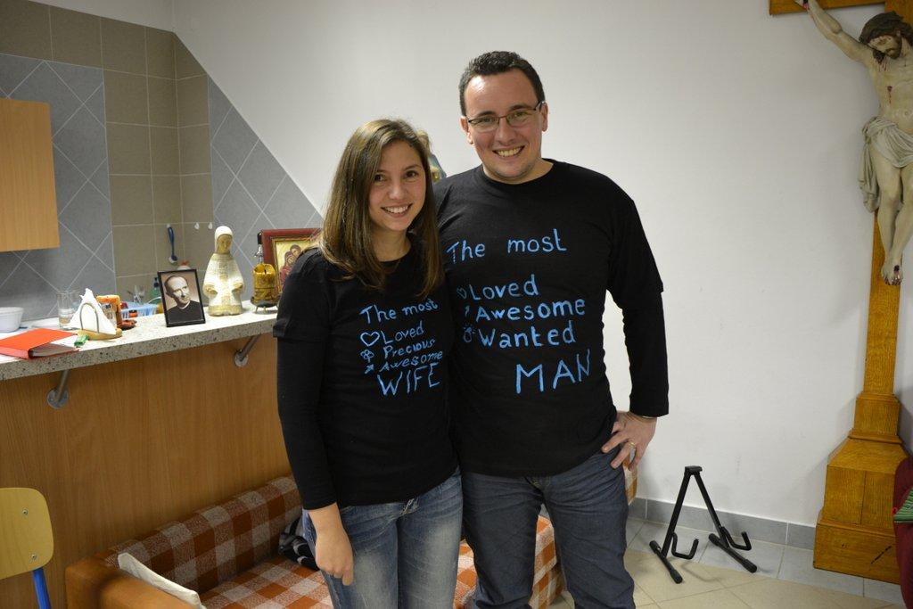 DSC_0628.JPG - Vzájomné manželské obdarovanie sa vlastnoručne namaľovaným tričkom