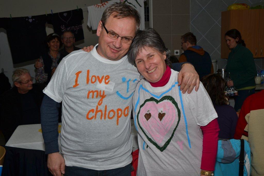DSC_0631.JPG - Vzájomné manželské obdarovanie sa vlastnoručne namaľovaným tričkom