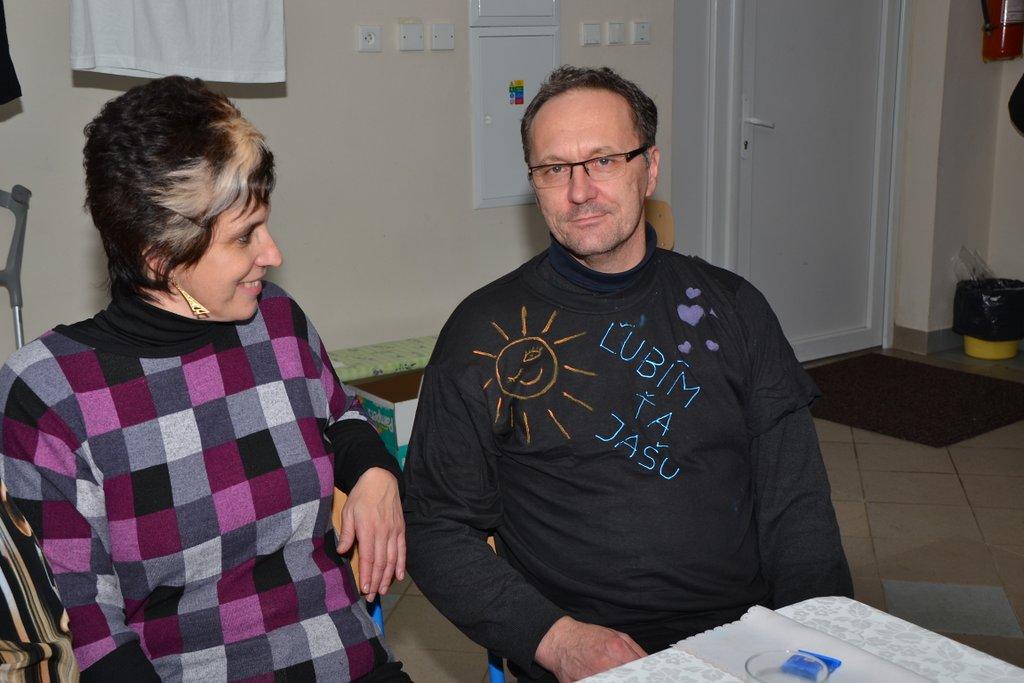 DSC_0637.JPG - Vzájomné manželské obdarovanie sa vlastnoručne namaľovaným tričkom
